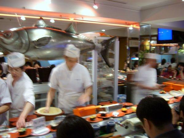 conveyor_belt_sushi_3.jpg