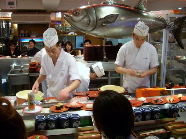 conveyor_belt_sushi_4.jpg