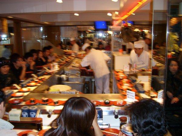 conveyor_belt_sushi_5.jpg